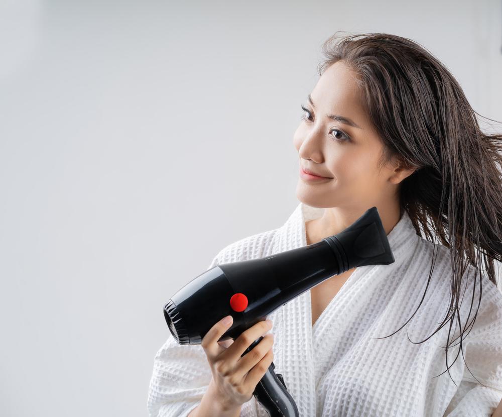 seche-cheveux-femme