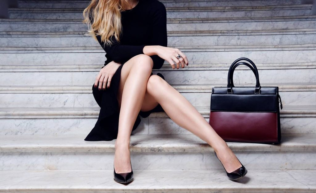 la-maroquinerie-indispensable-d-une-femme-elegante