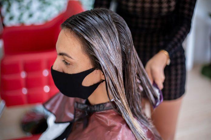 lissage-cheveux-femme