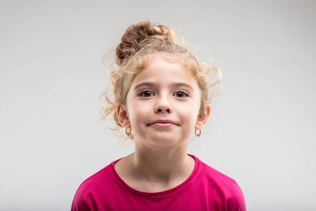 media-faut-il-offrir-des-boucles-d-oreilles-aux-enfants